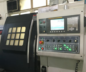 What are the common programming software in the field of CNC machining?