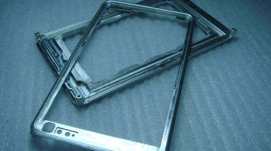 Application of Precision Parts Machining in Mobile Phone Case Industry